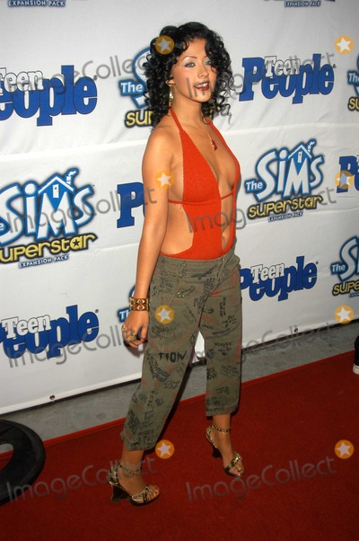 Christina Aguilera Photo - Christina Aguilera at Teen Peoples 6th Annual 25 Hottest Stars under 25 Party Lucky Strike Lanes Hollywood CA 05-05-03