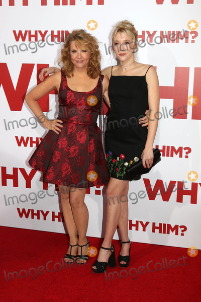 Lea Thompson Photo - Lea Thompson Madelyn Deutchat the Why Him Premiere Bruin Theater Westwood CA 12-17-16