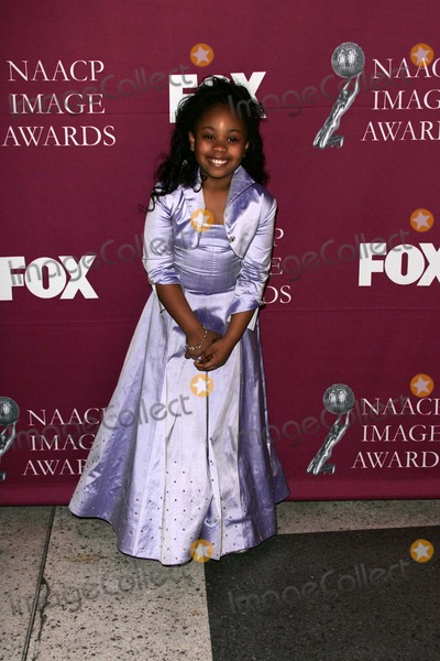 Dee Dee Davis Photo - Dee Dee Davis at the 36th NAACP Awards Arrivals Dorothy Chandler Pavilion Los Angeles CA 03-19-05