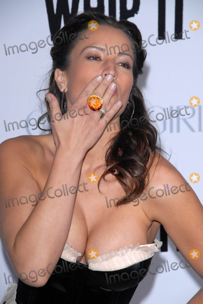 America Olivo Photo - America Olivoat the Los Angeles Premiere of Whip It Graumans Chinese Theatre Hollywood CA 09-29-09