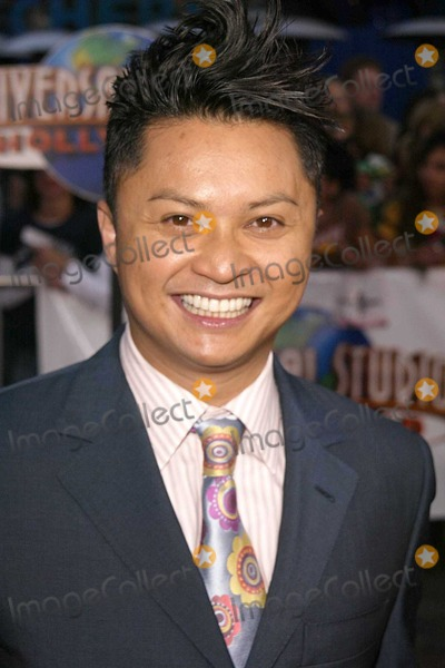 Alec Mapa Photo - Alec Mapa at Universal Pictures World Premiere of Connie And Carla at Universal Studios Cinema Universal Citywalk Universal City CA 04-13-04