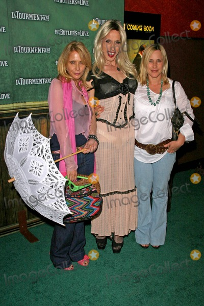 Alexis Arquette Photo - Rosanna Arquette with Alexis Arquette and Patricia Arquette at the Los Angeles Premiere of The Butlers In Love Manns Chinese 6 Hollywood CA 06-23-08