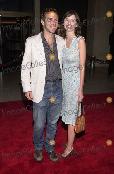 Alessandro Nivola Photo -  Alessandro Nivola and Emily Mortimer at the premiere of the Lions Gate film O at Loews Cineplex Theaters Century City 08-27-01
