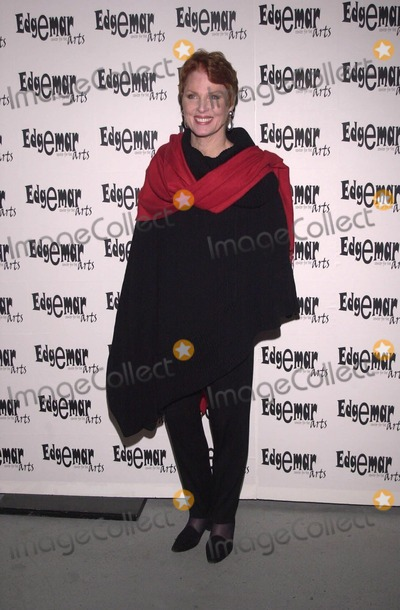 Mariette Hartley Photo -  Mariette Hartley at the Starry Starry Night fundraiser to benefit the Edgemar Center for the Arts Santa Monica 04-15-00