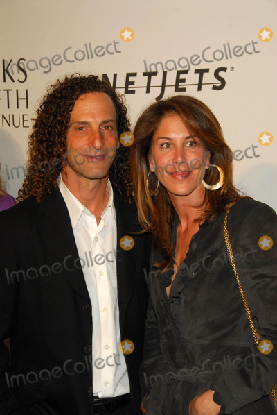 Kenny G Photo - Kenny G and Lyndie Bensonat the Unforgettable Evening Benefit for EIFs Woman Cancer Research Fund Regent Beverly Wilshire Hotel Beverly Hills CA 03-01-06