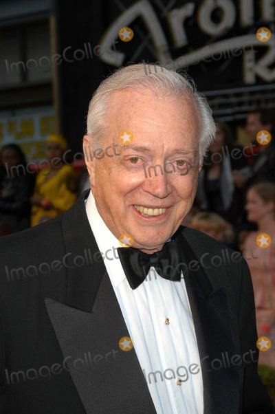 Hugh Downs Photo - Hugh Downs at ABCs 50th Anniversary Celebration Pantages Theater Hollywood CA 03-16-03