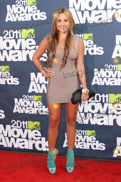 Amanda Bynes Photo - Amanda Bynesat the 2011 MTV Movie Awards Arrivals Gibson Amphitheatre Universal City CA 06-05-11