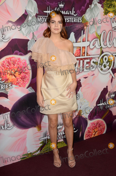 Bailee Madison Photo - Bailee Madisonat the Hallmark Channel and Hallmark Movies and Mysteries Winter 2018 TCA Event Tournament House Pasadena CA 01-13-18