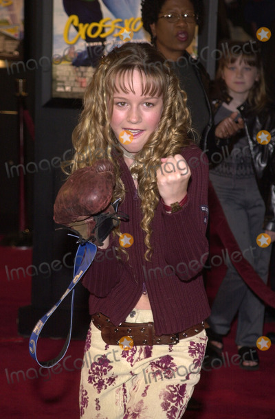 Brie Larson Photo - Brie Larson at the premiere of Paramounts Crossroads at the Chinese Theater 02-11-02