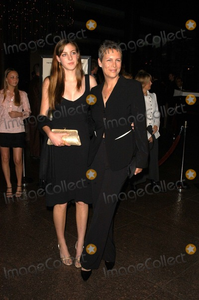 Annie Guest Photo - Jamie Lee Curtis and daughter Annie Guest at the premiere of Warner Bros A Mighty Wind at the Directors Guild Los Angeles CA 04-14-03