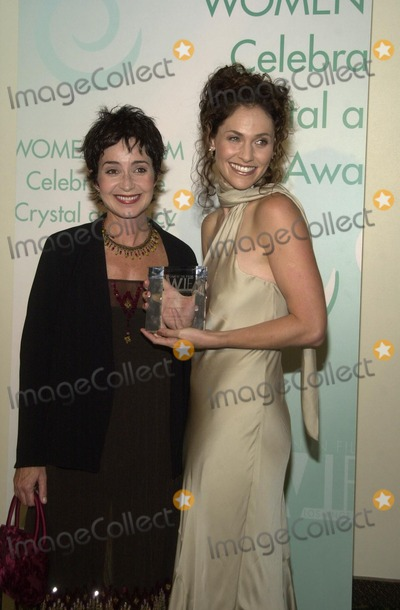 Annie Potts Photo - Annie Potts and Amy Brenneman at Women In Films Crystal and Lucy Awards Century Plaza Hotel Century City CA 09-20-02
