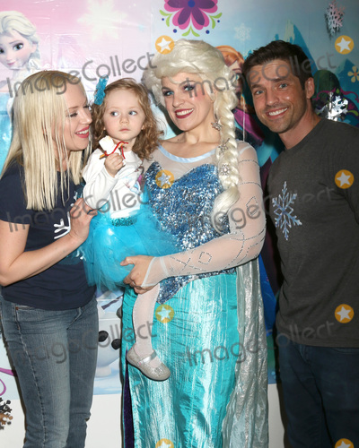Adrienne Frantz Photo - LOS ANGELES - NOV 26  Adrienne Frantz Amelie Bailey Elsa Impersonator Scott Bailey at the Amelie Bailey 2nd Birthday Party at Private Residence on November 26 2017 in Studio City CA