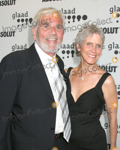 Alex Rocco Photo - Alex Rocco  wifeGLAAD Media AwardsHollywood  HighlandLos Angeles CAApril 8 2006