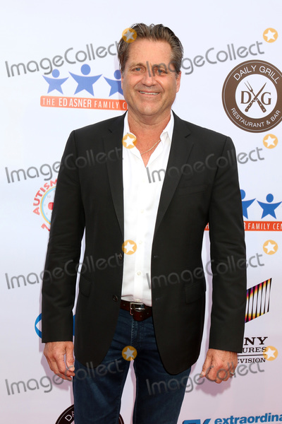 James Van PATTEN Photo - LOS ANGELES - JUN 1  James Van Patten at the 7th Annual Ed Asner Poker Tournament at the CBS Studio Center on June 1 2019 in Studio City CA