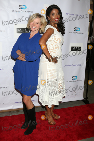 Areva Martin Photo - LOS ANGELES - APR 30  Suzanne Sena Areva Martin at the Suzanne DeLaurentiis Productions Gifting Suite at the Dylan Keith Salon on April 30 2016 in Burbank CA