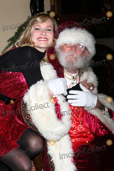 Nicholle Tom Photo - LOS ANGELES - DEC 16  Nicholle Tom Santa Claus at the Heather Tom James Achor Zane Achor Christmas Party at their private residence on December 16 2017 in Glendale CA