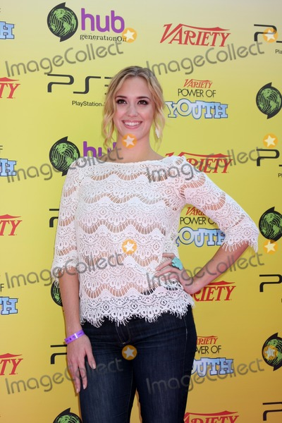 Andrea Bowen Photo - LOS ANGELES - OCT 22  Andrea Bowen arriving at the 2011 Variety Power of Youth Evemt at the Paramount Studios on October 22 2011 in Los Angeles CA