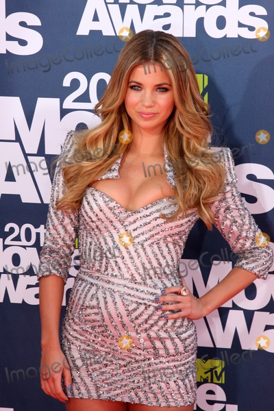 Amber Lancaster Photo - LOS ANGELES - JUN 5  Amber Lancaster arriving at the the 2011 MTV Movie Awards at Gibson Ampitheatre on June 5 2011 in Los Angeles CA