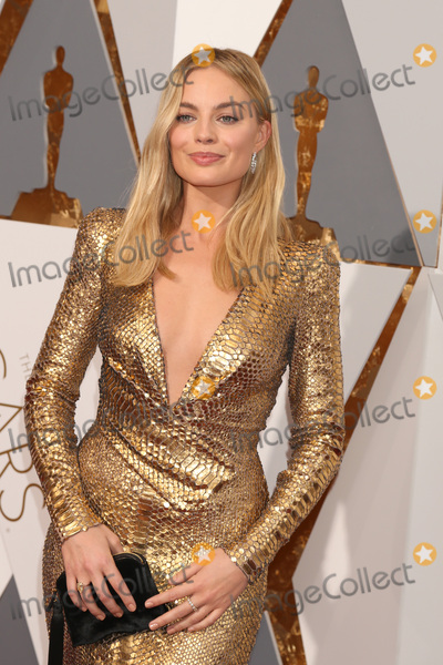Margot Robbie Photo - LOS ANGELES - FEB 28  Margot Robbie at the 88th Annual Academy Awards - Arrivals at the Dolby Theater on February 28 2016 in Los Angeles CA