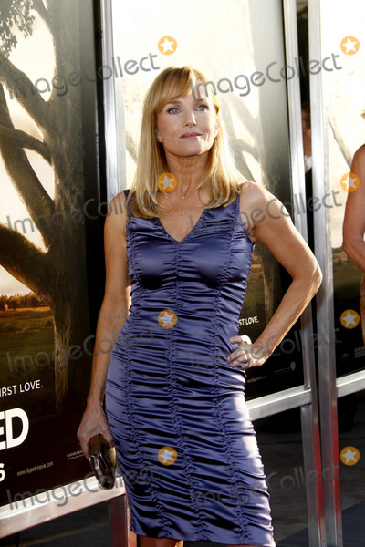 Rebecca De Mornay Photo - LOS ANGELES - JUL 27  Rebecca de Mornay arrives at the Flipped Premiere at Cinerama Dome at ArcLight Theaters on July27 2010 in Los Angeles CA