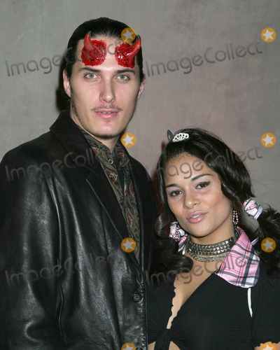 Alisa Reyes Photo - Alisa Reyes and date BoHalloween Mansion PartyHosted by Haylie DuffLos Angeles CAOctober 31 2005