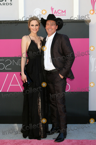 Clay Walker Photo - LAS VEGAS - APR 2  Clay Walker at the Academy of Country Music Awards 2017 at T-Mobile Arena on April 2 2017 in Las Vegas NV