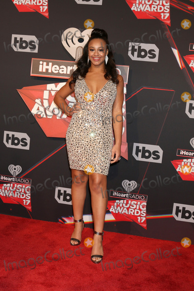 Nia Sious Photo - LOS ANGELES - MAR 5  Nia Sious at the 2017 iHeart Music Awards at Forum on March 5 2017 in Los Angeles CA