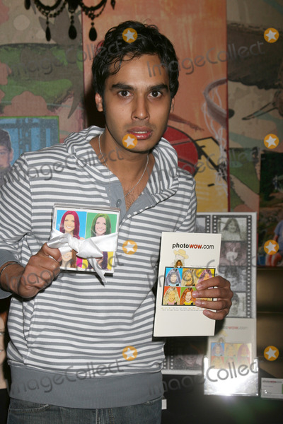 Kunal Nayyar Photo - Kunal NayyarGBK MTV Movie Awards Gifting Suites Crimson  OperaLos Angeles  CAMay 31 2008