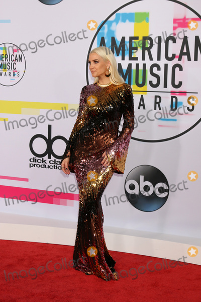 Ashlee Simpson Photo - LOS ANGELES - NOV 19  Ashlee Simpson at the American Music Awards 2017 at Microsoft Theater on November 19 2017 in Los Angeles CA