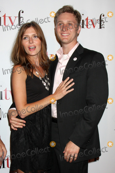 Aaron Staton Photo - Connie Fletcher Staton  Aaron Staton arriving at the Independent Television Festival Opening Night Gala at Laemmles Sunset 5 in West Hollywood CA on July 30 2009