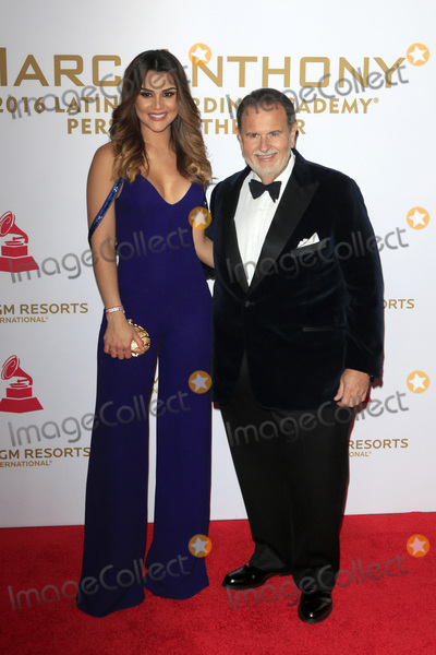 Raul de Molina Photo - LAS VEGAS - NOV 16  Clarissa Molina Raul de Molina at the 2016 Latin Recording Academy Person of the Year at MGM Grand Garden Arena on November 16 2016 in Las Vegas NV