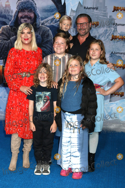 Tori Spelling Photo - LOS ANGELES - DEC 9  Tori Spelling Dean McDermott children at the Jumanji  The Next Level Premiere at TCL Chinese Theater IMAX on December 9 2019 in Los Angeles CA