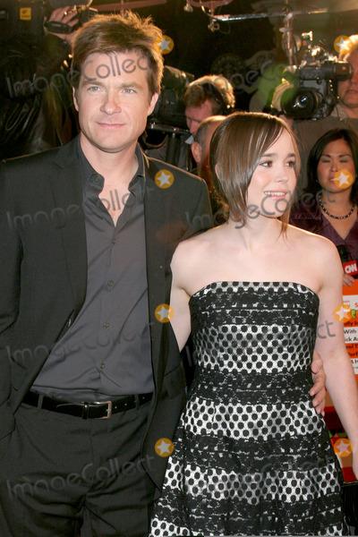 Ellen Page Photo - Jason Bateman  Ellen PageJuno Los Angeles PremiereManns Village TheaterWestwood  CADecember 3 2007