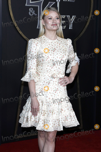 Emily de Ravin Photo - LOS ANGELES - FEB 5  Emilie de Ravin at the Locke  Key Series Premiere Screening at the Egyptian Theater on February 5 2020 in Los Angeles CA