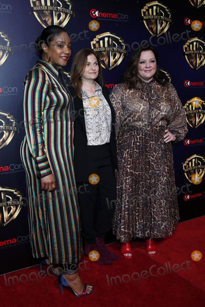 Andrea Berloff Photo - LAS VEGAS - APR 2  Tiffany Haddish Andrea Berloff Melissa McCarthy at the 2019 CinemaCon - Warner Bros Photo Call at the Linwood Dunn Theater on April 2 2019 in Las Vegas NV