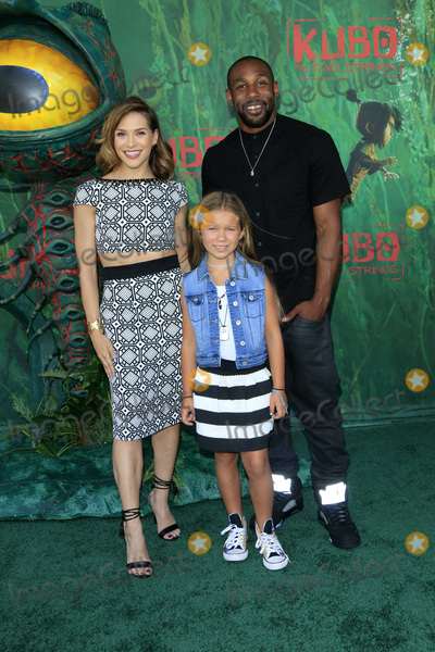Stephen Boss Photo - LOS ANGELES - AUG 14  Allison Holker Wesley Fowler Stephen Boss at the Kubo and the Two Strings Premiere at the AMC Universal Citywalk on August 14 2016 in Universal City CA