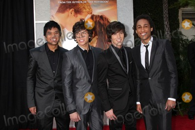 Allstar Weekend Photo - Allstar Weekendarrives at  The Last Song World PremiereArcLight TheatersLos Angeles CAMarch 25 2010