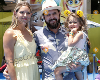 AJ Buckley Photo - LOS ANGELES - JUL 23  Abigail Ochse AJ Buckley Willow Phoenix Buckley at The Emoji Movie Premiere at the Village Theater on July 23 2017 in Westwood CA