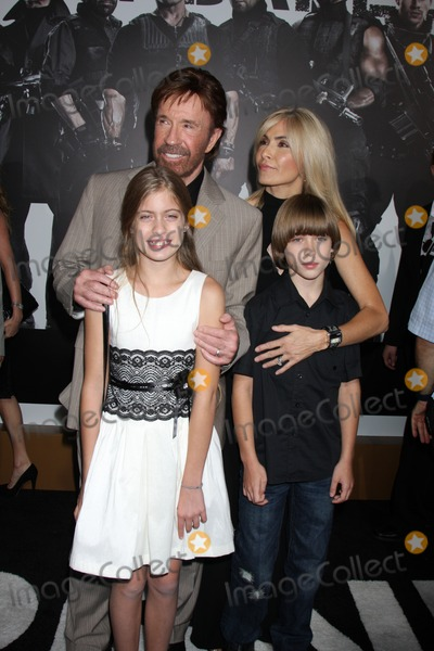 Chuck Norris Photo - Los Angeles - AUG 15  Chuck Norris family arrives at the The Expendables 2  Premiere at Graumans Chinese Theater on August 15 2012 in Los Angeles CA