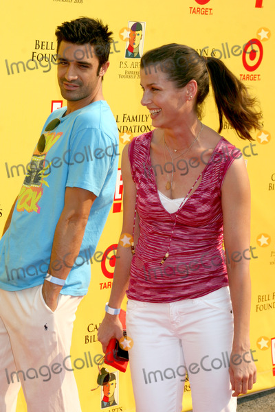 Gilles Marini Photo - Gilles Marini  Bridget Monyahan arriving (ok passing each other )  at the PS ARTS 11th Annual Express Yourself Event at Barker Hanger in Santa Monica CA on November 15 2008