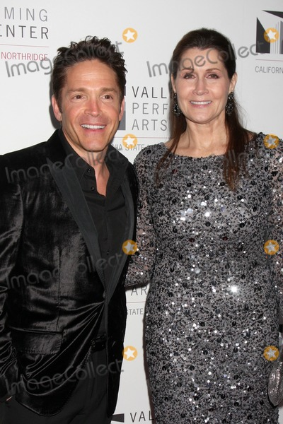 Monica Mancini Photo - LOS ANGELES - JAN 29  Dave Koz Monica Mancini arrives at the Valley Performing Arts Center Opening Gala at California State University Northridge on January 29 2011 in Northridge CA