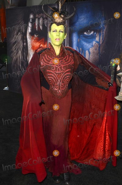 Jamie Lee Photo - LOS ANGELES - JUN 6  Jamie Lee Curtis at the Warcraft Global Premiere at TCL Chinese Theater IMAX on June 6 2016 in Los Angeles CA