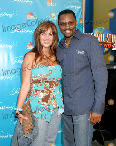 Rodney Van Johnson Photo - Rodney Van Johnson and wifePassions Disaster ScreeningUniversal City WalkLos Angeles CAJuly 12 2005
