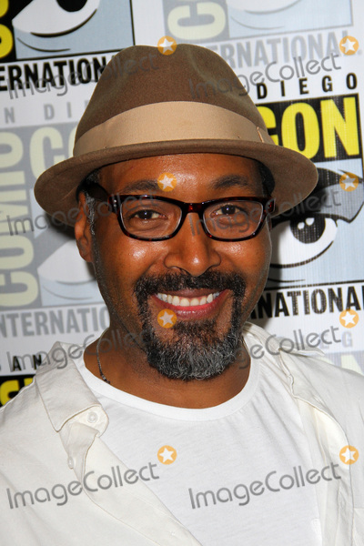 Jesse L Martin Photo - SAN DIEGO - July 22  Jesse L Martin  at Comic-Con Saturday 2017 at the Comic-Con International Convention on July 22 2017 in San Diego CA