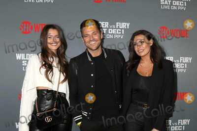 Natalya Wright Photo - LOS ANGELES - DEC 1  Natalya Wright Mark Wright Jessica Wright at the Heavyweight Championship Of The World Wilder vs Fury - Arrivals at the Staples Center on December 1 2018 in Los Angeles CA