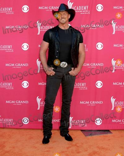 Trace Adkins Photo - Trace Adkins MGM Garden ArenaLas Vegas NVMay 23 2006