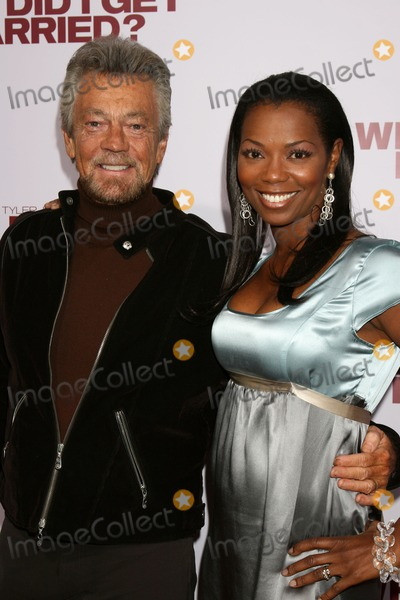 Stephen JCannell Photo - Stephen J Cannell  Vanessa WilliamsWhy Did I Get Married - LA PremiereCinerama Dome at the ArcLight TheatersLos Angeles  CAOctober 4 2007