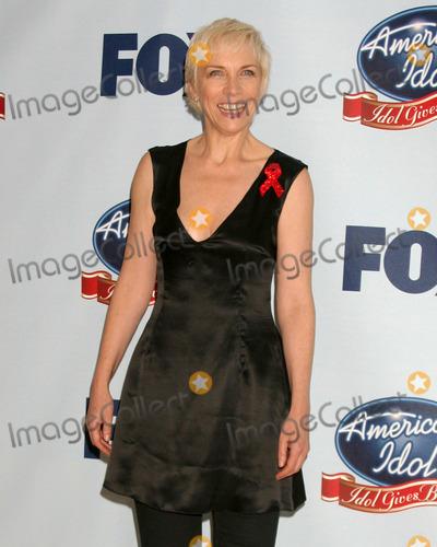 Annie Lennox Photo - Annie LennoxAmerican Idol Gives Back - Press RoomDisney Concert HallLos Angeles CAApril 25 2007