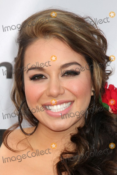 Chiquis Marin Photo - Janney Chiquis Marinarrives at An Evening with NBC Universal 2010Universal Studios HollywoodLos Angeles CAMay 12 2010