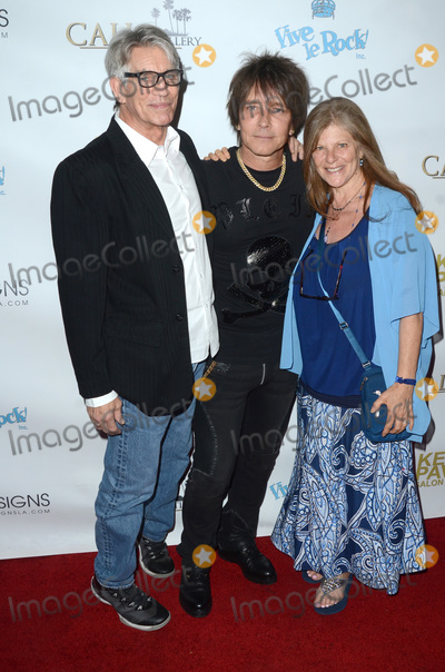 Eric Roberts Photo - LOS ANGELES - NOV 8  Eric Roberts Billy Morrison Eliza Roberts at the Pop-Up Art Show by Billy Morrison and Steve Stevens at the Ken Paves Salon on November 8 2019 in West Hollywood CA